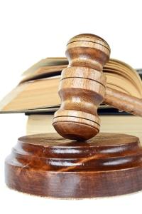 Im Zivilrecht deckt eine Terminsgebühr mehrere Termine ab.
