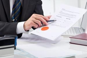 Terminsvertreter: Ist eine Gebührenteilung rechtmäßig?