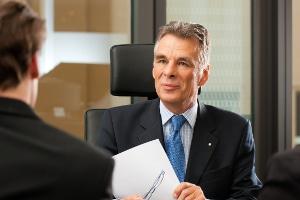 Untervollmacht: Eine Terminsvertretung kann Sie als Anwalt entlasten.